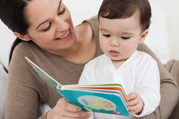 Lợi ích của việc đọc sách cho con nghe
