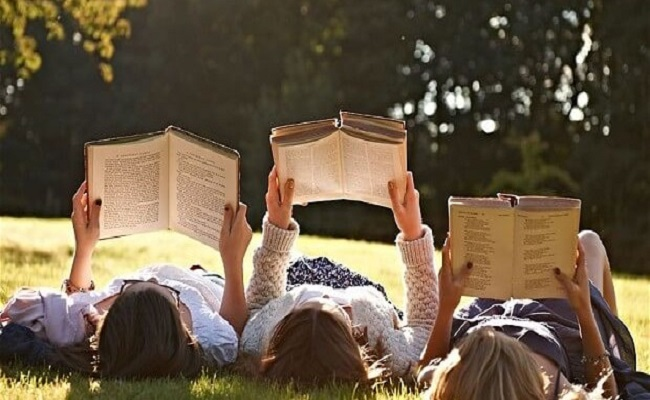 Những Lợi Ích Của Việc Đọc Sách - giảm căng thẳng