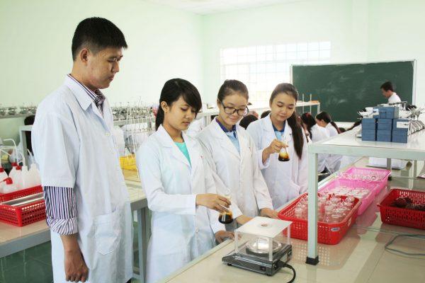 Những thông tin cần biết khi Liên thông Trung cấp lên Đại học Dược