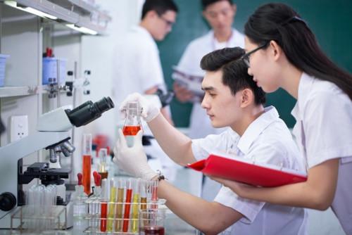 Điểm chuẩn ngành Xét nghiệm Y học lấy bao nhiêu?