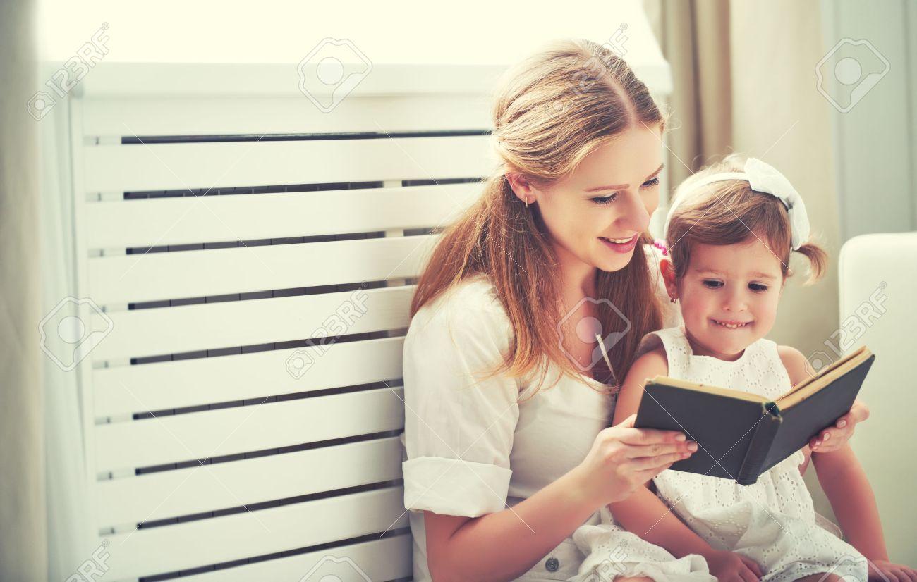 Làm sao để rèn thói quen đọc sách cho bé